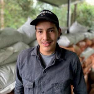 Nestor Granados Auxiliar de producción
