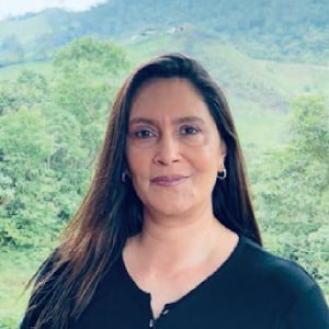Sandra López Directora Adminstrativa